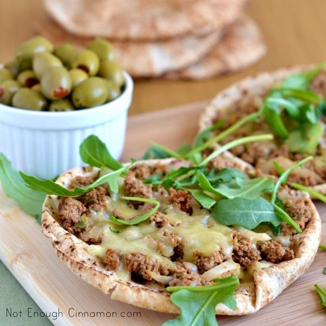 Quick Turkish Pizza with Pita Bread1
