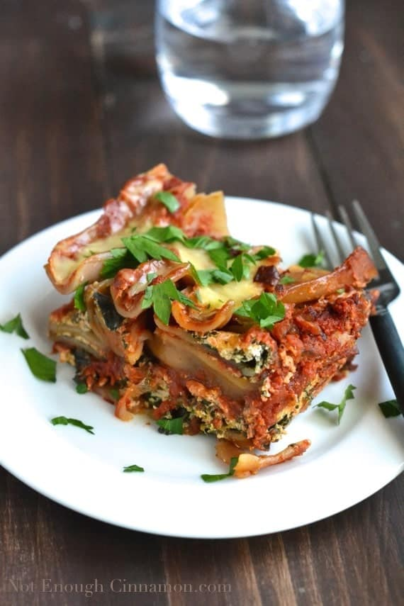 Skinny Spinach and Ricotta Crockpot Lasagna - NotEnoughCinnamon.com