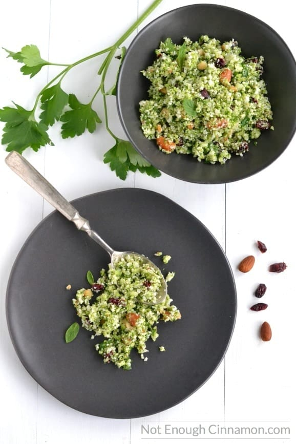 Fresh, tasty and grain-free: you'll love this Cauliflower and Broccoli Tabbouleh. Plus it comes together really quickly! - recipe on NotEnoughCinnamon.com