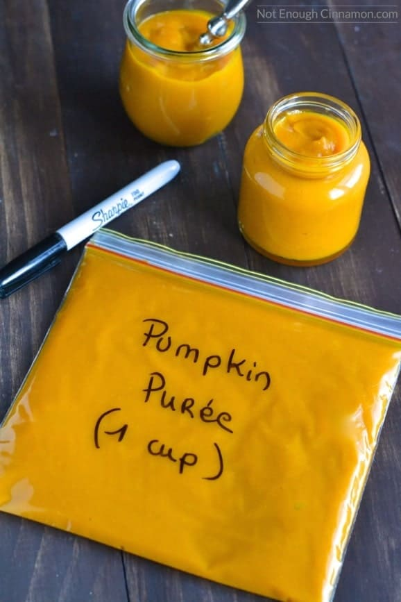 demonstration of how to make pumpkin puree in the oven or in the slow-cooker