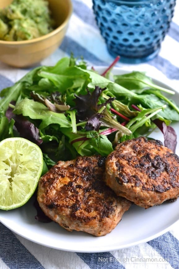 Lean chicken patties, made with sweet and black beans and seasoned with southwestern spices #healthy #dinner #glutenfree