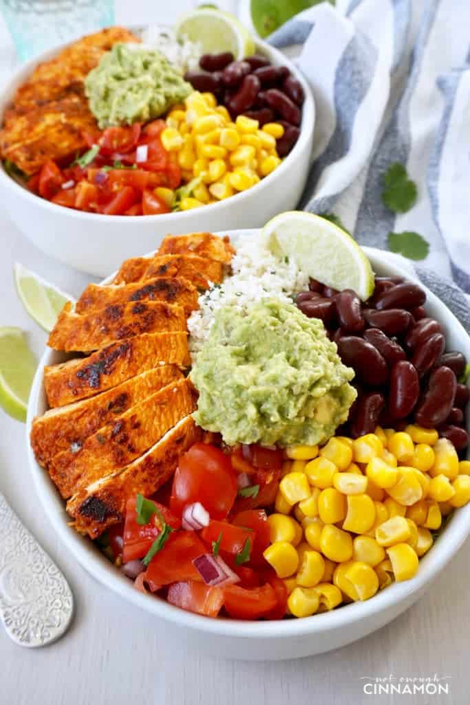 Chipotle's Chicken Burrito Bowl with Cilantro Lime Cauliflower Rice #glutenfree #cleaneating #mexican